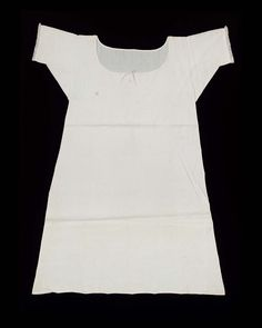Woman's shift - Linen chemise with neck casing, lawn sleeve ruffles. early 19th c. | Museum of Fine Arts, Boston