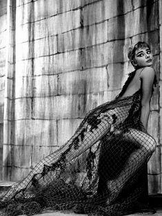 Philippe Halsman-Audrey Hepburn,1954.