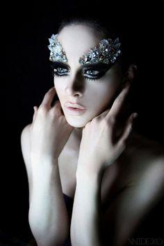 sparkle | shine | glitter | elaborate make up | precious gems | ballerina | butterfly eyes | fashion editorial | pale skin | glamour | dark smokey eye makeup