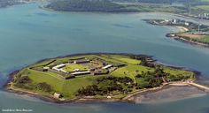 """Лучшим туристическим объектом Европы признана бывшая тюрьма """"Ирландский Алькатрас"""", которая расположена на острове #Спайк в Ирландии. http://islandlife.ru/news_island/289-tyurma-irlandskiy-alkatras-luchshaya-turisticheskaya-dostoprimechatelnost-v-evrope.html #Ирландский_Алькатрас #Ирландия"""