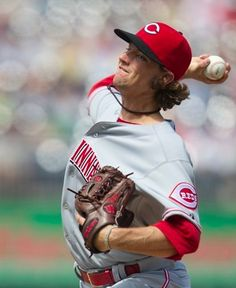 Mike Leake  Cincinnati Reds Pitcher