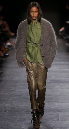 Isabel Marant Fall 2015 outfit that inspired our color categories: Greenery, Stone and Adobe.