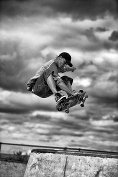 #LL #Skateboarding #B&W