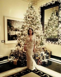 26 Celebrity Christmas Trees That Are More Glam Than Yours