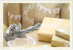 Weihnachtliches Geschenkpapier selbermachen {Upcycling}