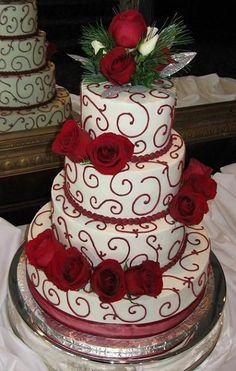 Google Image Result for http://sangmaestro.com/wp-content/uploads/2010/12/four-tiers-christmas-wedding-cake.jpg
