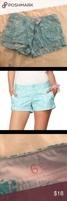 Lilly Pulitzer Walsh Shorts in Shorely Blue Lilly Pulitzer Walsh Shorts Shorely Blue. Size 6. No damage. Good condition. Lilly Pulitzer Shorts