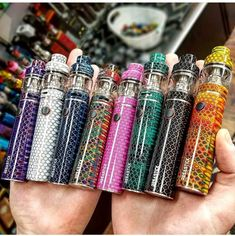 Resa Stick adopts a fire-new tank--Resa Baby, which is equipped with powerful Baby cores and can bring you massive vapor. Resa Stick, a newly designed pen style kit with built-in battery capacity of