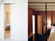 Briljant voor de slaapkamer  L'Invisibile Concealed Sliding door_Profili Associati architects_finishaswall_privatehouse_Rimini