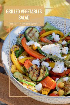 Vegetarische gezonde salade met gegrilde groente, verse rozemarijn en geitenkaas - Recept op Healthy Wanderlust