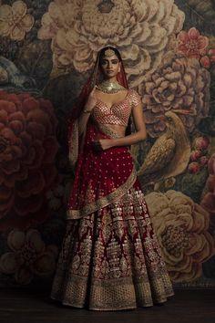 Looking for Sabyasachi maroon velvet bridal lehenga? Browse of latest bridal photos, lehenga & jewelry designs, decor ideas, etc. on WedMeGood Gallery. Indian Bridal Outfits, Indian Bridal Lehenga, Indian Bridal Fashion, Indian Bridal Wear, Indian Dresses, Wedding Lehnga, Pakistani Bridal, Designer Bridal Lehenga, Moda India