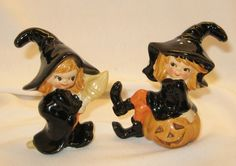 LEFTON  HALLOWEEN WITCH SALT AND PEPPER SHAKER SET. omg i love these! would so love to have them! i think i have inherited my mothers salt and paper shaker addiction :)