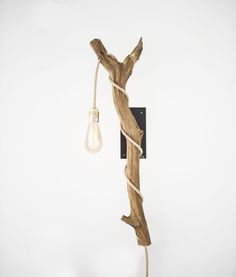 Apesso | Houten boomstronk wandlamp Mexican Style Homes, Mexican Home Decor, Branch Chandelier, Everything Is Illuminated, Wood Lamps, Lamp Design, Lampshades, Room Inspiration, Decoration