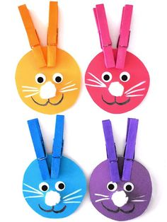 Little ones will have a blast learning their colors when they help the Easter bunny find the right colored ears with our Color Matching Bunny Ears Craft! Bunny Crafts, Easter Crafts For Kids, Toddler Crafts, Diy For Kids, Craft Kids, Easter Ideas, Easter Crafts For Preschoolers, Our Kids, Preschool Colors