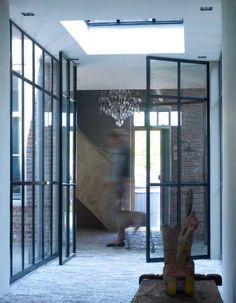 www.stylexlusief.nl De vloertegels worden in een wildverband gelegd. Het is ook mogelijk om vloerverwarming onder deze vloertegels aan te brengen. Doordat de tegels maar 1 cm dik zijn, hebben de tegels met vloerverwarming snel een aangenaam gevoel. Ook zijn de tegels zeker geschikt voor de badkamer of bovenverdieping.