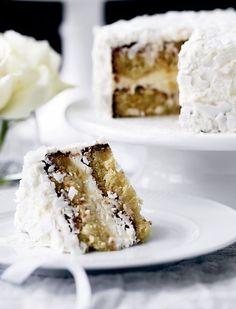 Christmas cake with marzipan, lemon cream and coconut; Den smukkeste kage - til den smukkeste årstid!