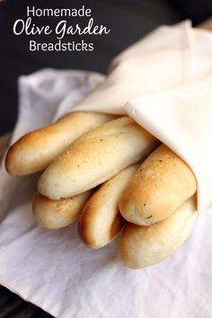 Homemade Olive Garden Breadsticks on MyRecipeMagic.com