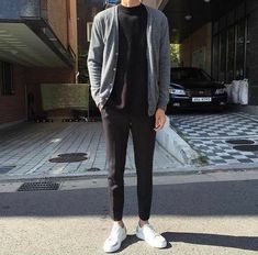 Raddestlooks: The Best Men's Fashion Outfit Collection. The inspiration that you need. Streetwear Summer, Streetwear Mode, Streetwear Fashion, Urban Apparel, Boy Fashion, Mens Fashion, Fashion Outfits, Asian Men Fashion, Fasion