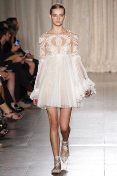 Reception perfection. Sfilata Marchesa New York - Collezioni Primavera Estate 2013 - Vogue