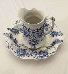 Bone China, Vintage, Fenton, Garland, Blue & White Wash Bowl Set.