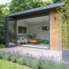 Garden makeover with outdoor kitchen, hot tub and summerhouse House & Garden garden summer house Backyard Office, Backyard Studio, Garden Office, Outdoor Office, Backyard House, Outdoor Garden Rooms, Outdoor Spaces, Outdoor Kitchens, Outdoor Seating