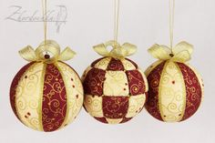 Set of 3 Christmas Ornaments - Tiny Hearts and Curls Design - Kimekomi