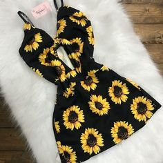 Try this sexy dress on that romantic date Lila Outfits, Teenage Outfits, Tumblr Outfits, Cute Summer Outfits, Cute Casual Outfits, Outfits For Teens, Pretty Outfits, Stylish Outfits, Girls Fashion Clothes