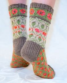 Ravelry: Valmuesokker - Poppy socks pattern by Cecilie Kaurin and Linn Bryhn Jacobsen Crochet Socks, Knit Mittens, Knitting Socks, Hand Knitting, Knit Crochet, Knitting Patterns, Crochet Patterns, Knit Socks, Crochet Poppy Pattern
