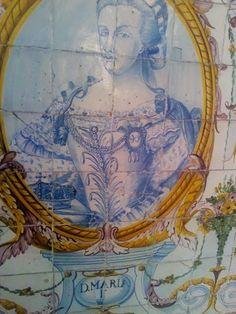D. MARIA I – Painel de azulejos no Jardim do Palácio Galveias, Lisboa.