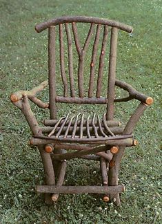 Golf Clubs Repurposed Handcrafted rustic chair made from branches and willow twigs. Perfect for a garden or porch. - Handcrafted rustic chair made from branches and willow twigs. Perfect for a garden or porch. Willow Furniture, Rustic Living Room Furniture, Western Furniture, Wood Furniture, Modern Furniture, Antique Furniture, Cheap Furniture, Furniture Storage, Furniture Design
