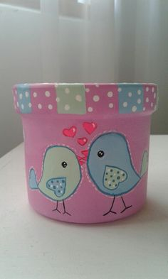 Macetas pintadas a mano Clay Flower Pots, Flower Pot Crafts, Ceramic Flower Pots, Clay Pots, Painted Plant Pots, Painted Flower Pots, Clay Pot Projects, Clay Pot Crafts, Pots D'argile