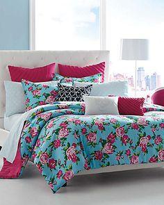 Betsey Boudior comforter set