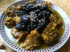 j'ai l'honneur de partager avec vous une recette purement marocaine, l'une de mes préférées, un plat très célèbre au Maroc, et il se peut pas qu'un visiteur part chez lui sans gouttez ce fameux plat, tajine de viande aux pruneaux, c'est un plat aussi de fêtes... http://www.ideerepas.net/2015/01/tajine-de-viande-aux-pruneaux-et-amandes.html