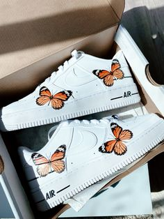 Cute Nike Shoes, Cute Nikes, Cute Sneakers, Jordan Shoes Girls, Girls Shoes, Butterfly Shoes, Nike Shoes Air Force, Swag Shoes, Aesthetic Shoes
