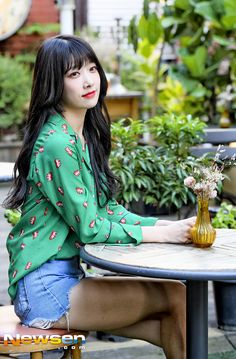 DIA Eunice Mature atmosphere Korean Group, Korean Girl Groups, K Pop, Kpop Girl Groups, Kpop Girls, Second Love, Fandom, Season Of The Witch, Birth Flowers