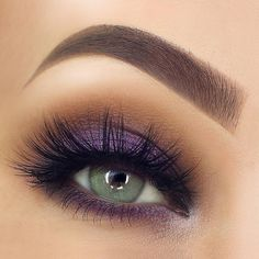 Eye Makeup Tips – How To Apply Eyeliner – Makeup Design Ideas Purple Eye Makeup, Smokey Eye Makeup, Eyeshadow Makeup, Eyeshadow Blue Eyes, Purple Eyeshadow Looks, Applying Eyeshadow, Makeup With Purple Dress, Easy Eye Makeup, Easy Makeup Looks