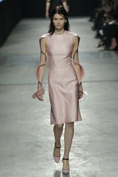 Christopher Kane RTW Fall 2014 - Slideshow - Runway, Fashion Week, Fashion Shows, Reviews and Fashion Images - WWD.com