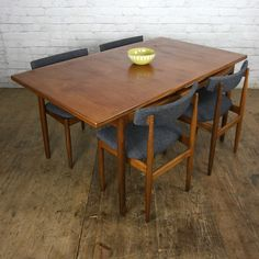Vintage Teak Extending Dining Table by Kofod Larsen Retro Table And Chairs, Dining Table Chairs, Dining Room, Mid Century Decor, Mid Century Furniture, Danish Chair, Scandinavian Dining Chairs, Extendable Dining Table, Teak