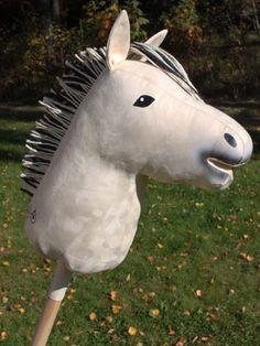 VV Keppihevonen, vuonis - Lahjakas.fi Stick Horses, Hobby Horse, Horse Stables, Plushies, Sewing Crafts, Hobbies, Animals, Costumes, Patterns