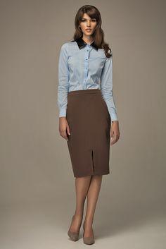 La taille haute de cette jupe ajustée lui confère un irrésistible côté chic inspiré des années 60. Vos jambes seront allongées et votre taille sera soulignée.