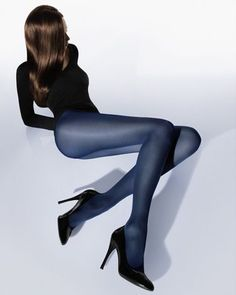 Velvety soft opaque tights in a luxurious Velvet material. Exceptionally smooth, matte look. Excellent stretch and a perfect fit, thanks to the use of double-wrapped elastane in each row. Soft knitted