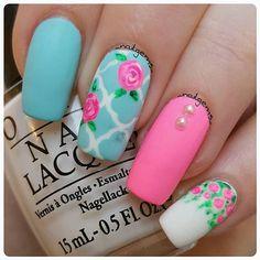 Beautiful floral mix & match nails