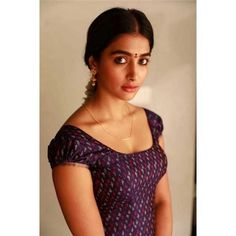 Actress Pooja Hegde New Still From Valmiki - Social News XYZ Innocent but feisty! Meet the cutest at your nearest theaters from Bollywood Actress Hot, Beautiful Bollywood Actress, Most Beautiful Indian Actress, Beautiful Actresses, Tamil Actress, Indian Actress Hot Pics, South Indian Actress, Indian Actresses, Hot Actresses