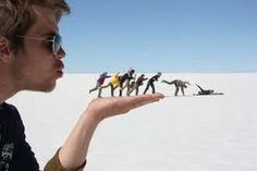 hahaha this is an awesome idea for pics I should take while on my senior trip