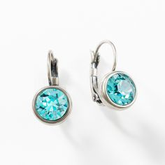 Touchstone Crystal - Yes...totally a cool color! Takes ya to the Caribbean ASAP!