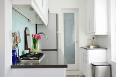 Streamlined Simplicity in 325 Square Feet