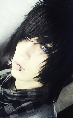 cool emo bangs | ... Emo Hairstyles with Black Hair Color for Teenage Boys from Andy Six