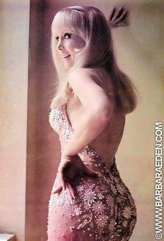 retrogirly: Barbara Eden just gorgeous.saw her in person flawless,stunning lady. Barbara Eden, Julie Newmar, Timeless Beauty, Classic Beauty, Classic Tv, Blond, Pin Up, I Dream Of Jeannie, Elizabeth Montgomery