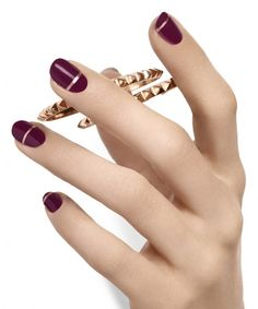 Nail Colors, Nail Polish Trends, Nail Care & At-Home Manicure by Essie. create your own nail art look with trendy nail polishes and stickers Hot Nail Designs, Elegant Nail Designs, Fingernail Designs, Nail Art Marron, Hot Nails, Hair And Nails, Color Uva, Maroon Nails, Nail Art Pictures