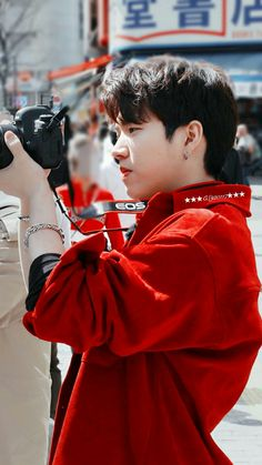 Photo people in Tokyo - Woohyun ©BM] Jung Jin Woo, Kim Sung Kyu, Nam Woo Hyun, Lee Sung, Infinite Members, L Infinite, Korean Celebrities, Korean Actors, Hi School Love On